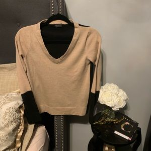 Club Monaco Italian Yarn Knit Wool V Neck Sweater